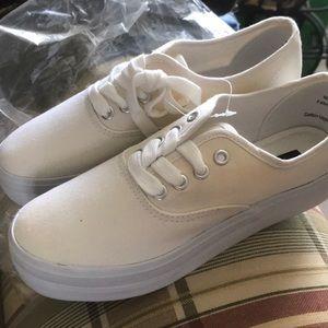 Ladies' canvas sneakers!